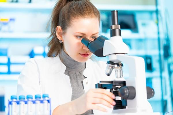 Du học ngành Công nghệ sinh học tại Anh